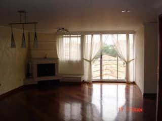 Una habitación que tiene una ventana en ella en Apartamento en venta en Puente Largo, 120mt penthouse