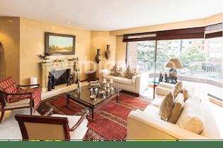 Apartamento en venta en El Retiro 276m² con Minigolf...