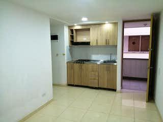 Una cocina con fregadero y nevera en Apartamento en venta en Bomboná de tres alcobas