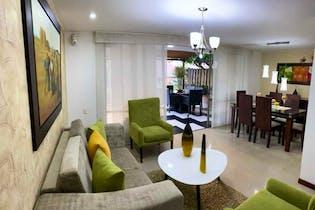 Casa en venta en Loma De Los Benedictinos 210m² con Piscina...