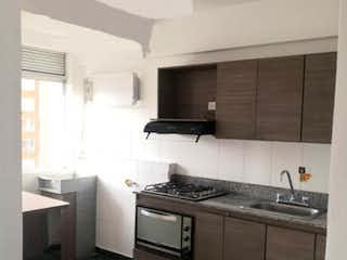 Una cocina con un fregadero y una estufa en Apartamento en venta en La Cuenca, 68mt con balcon