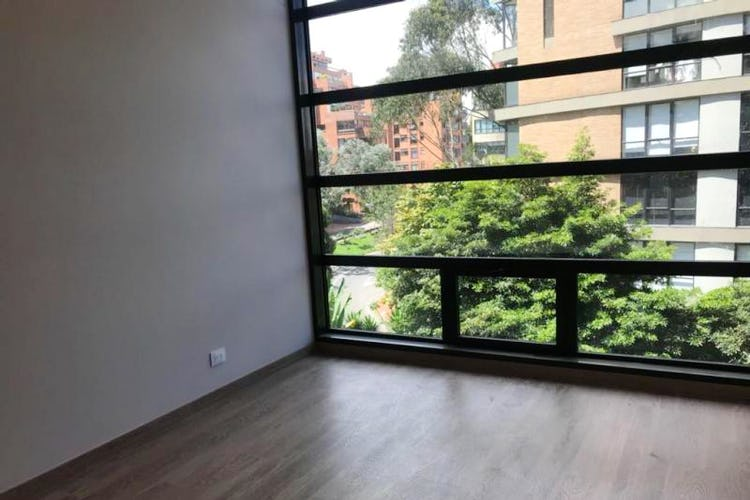 Foto 2 de Apartamento En Venta En Bogota Rosales Cuenta con piscina, sauna, gimnasio, salón comunal.