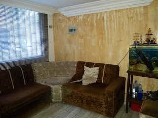 Una sala de estar llena de muebles y una ventana en Apartamento en venta en Aures, de 60mtrs2