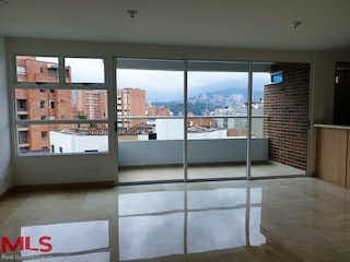Una habitación con un gran ventanal y un balcón en Helvecia