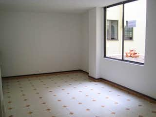 Una habitación que tiene una ventana en ella en Apartamento en venta en La Alhambra, de 58mtrs2