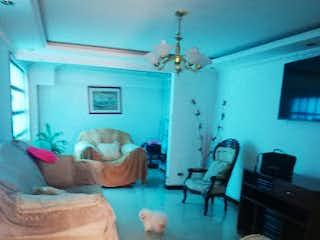 Una sala de estar llena de muebles y una ventana en Casa en Venta en Castilla de 119m2