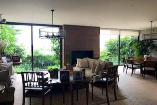 Casa en venta en Lomas De Chapultepec de 4 hab. con Jardín...