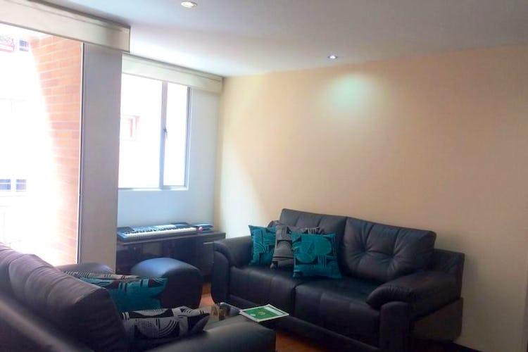 Foto 1 de Apartamento En Venta En Bogota Calleja Baja  con dos balcones en piso tercero.