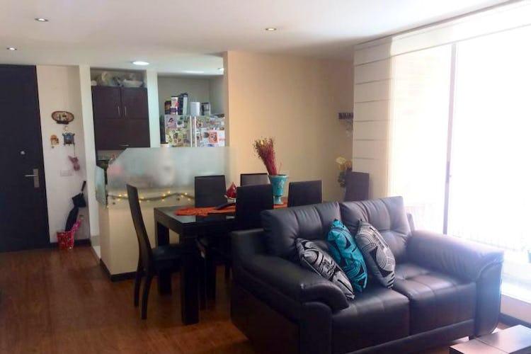 Foto 2 de Apartamento En Venta En Bogota Calleja Baja  con dos balcones en piso tercero.