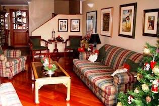Apartamento En Bogota Entrerríos cuenta con tres pisos con 5 alcobas