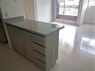 Una cocina que tiene un fregadero en ella en Apartamento en venta en Bucaros de tres habitaciones