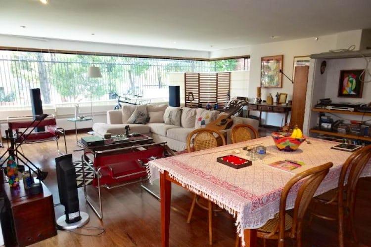 Foto 3 de Apartamento en Bogota Rosales - Dúplex, con terraza, dos garajes