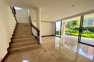 Casa en venta en Loma De Los Benedictos 296m²