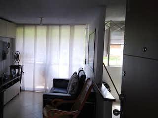 Una habitación que tiene una ventana y una silla en ella en Apartamento en venta en Loreto, de 47mtrs2