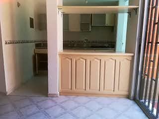 Un baño que tiene una ventana en él en Casa en venta en Centro, de 152mtrs2