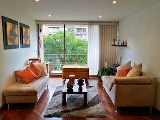 Una sala de estar llena de muebles y una ventana en Apartamento En Venta En Iberia de 11m2