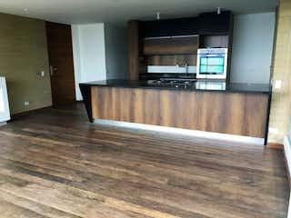 Una habitación con suelo de madera y un banco de madera en  SIERRA GRANDE