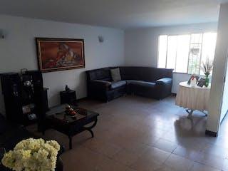 Una sala de estar llena de muebles y una chimenea en Casa en venta en El Salvador, 153mt con balcon
