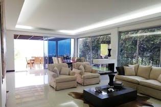 Casa en venta en El Retiro, 390m²
