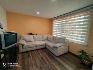 Una sala de estar llena de muebles y una televisión de pantalla plana en Venta Casa En Quirigua de 152m2