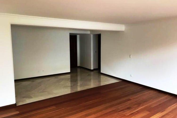 Foto 4 de Apartamento En Venta En Las Acacias, con chimenea a leña.