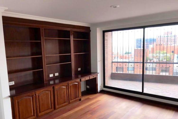 Foto 10 de Apartamento En Venta En Las Acacias, con chimenea a leña.