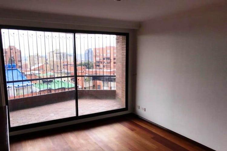 Foto 11 de Apartamento En Venta En Las Acacias, con chimenea a leña.