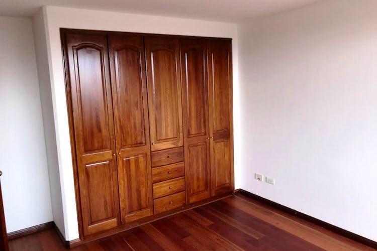 Foto 12 de Apartamento En Venta En Las Acacias, con chimenea a leña.