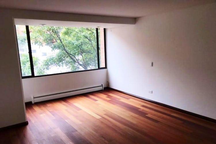 Foto 18 de Apartamento En Venta En Las Acacias, con chimenea a leña.