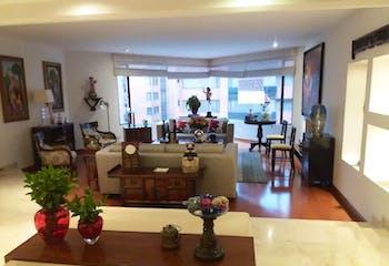 Apartamento En Bogota La Carolina - cuatro alcobas c/u con baño, sala con chimenea
