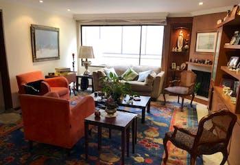 Apartamento En Venta En Bogota Santa Barbara Occidental, con chimenea a leña.