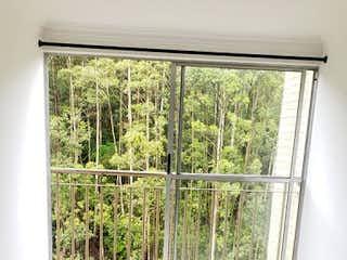 Una ventana en una habitación con una ventana en Apartamento en venta en Bomboná No. 2 de tres habitaciones