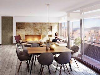 Una sala de estar llena de muebles y una chimenea en Moncalieri