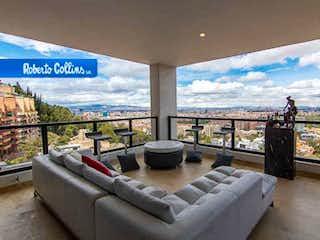 Una sala de estar llena de muebles y una gran ventana en Apartamento En Venta En Bogota Bosque Medina-Usaquén