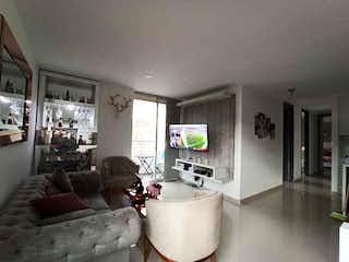 Una sala de estar llena de muebles y una televisión de pantalla plana en Apartamento en venta en Calasanz, de 85mtrs2