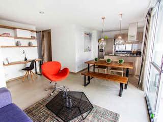Una sala de estar llena de muebles y una chimenea en TERRA
