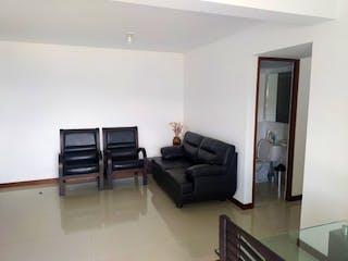 Una sala de estar llena de muebles y una ventana en Apartamento en venta en Calasanz, 74mt con balcon