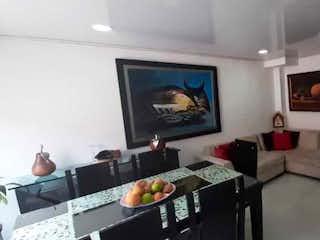 Una sala de estar llena de muebles y una televisión de pantalla plana en Conjunto Torre Campo IV P.H Etapa 2