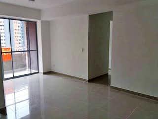 Un cuarto de baño con ducha y una ducha en Apartamento en venta en Niquía, 65mt con balcon