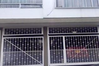 Casa en Polo Club, Barrios Unidos - 230mt, duplex, cuatro alcobas