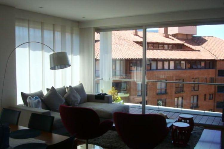 Foto 1 de Apartamento En Venta En Bogota La Carolina con linda vista exterior en séptimo piso