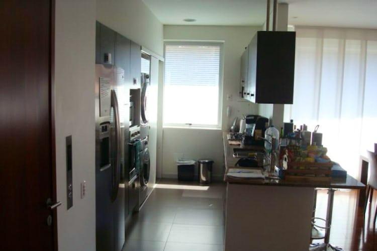 Foto 3 de Apartamento En Venta En Bogota La Carolina con linda vista exterior en séptimo piso