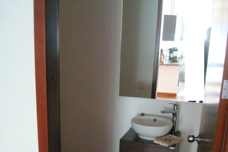 Foto 8 de Apartamento En Venta En Bogota La Carolina con linda vista exterior en séptimo piso