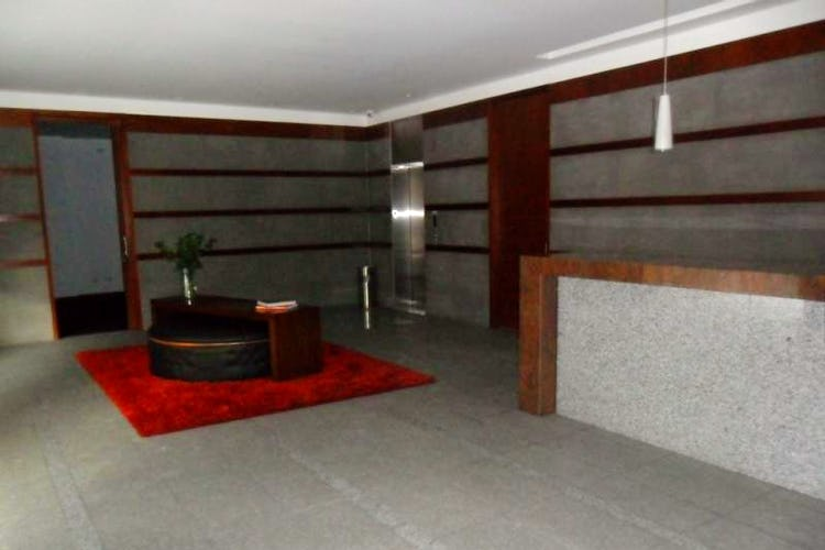 Foto 16 de Apartamento En Venta En Bogota La Carolina con linda vista exterior en séptimo piso