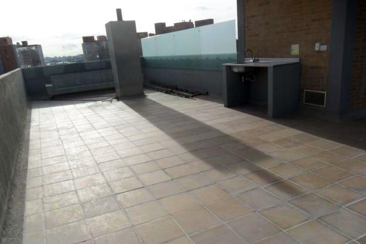 Foto 17 de Apartamento En Venta En Bogota La Carolina con linda vista exterior en séptimo piso