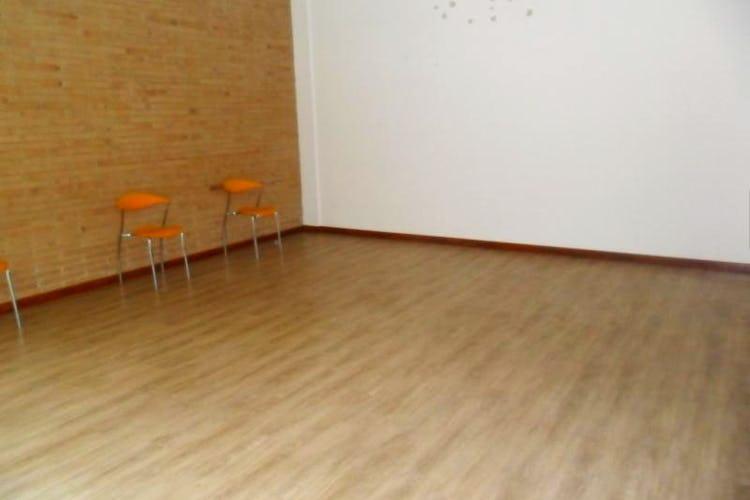 Foto 19 de Apartamento En Venta En Bogota La Carolina con linda vista exterior en séptimo piso
