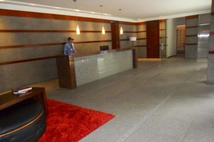 Foto 20 de Apartamento En Venta En Bogota La Carolina con linda vista exterior en séptimo piso