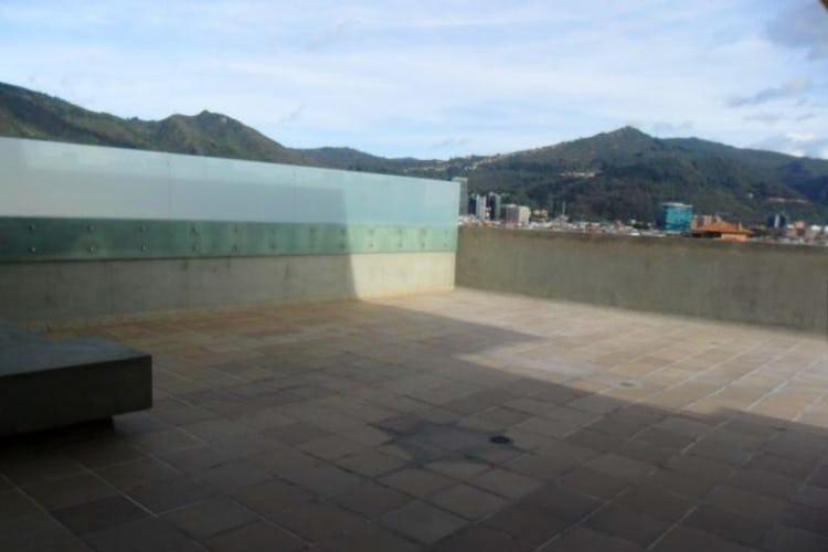 Foto 21 de Apartamento En Venta En Bogota La Carolina con linda vista exterior en séptimo piso