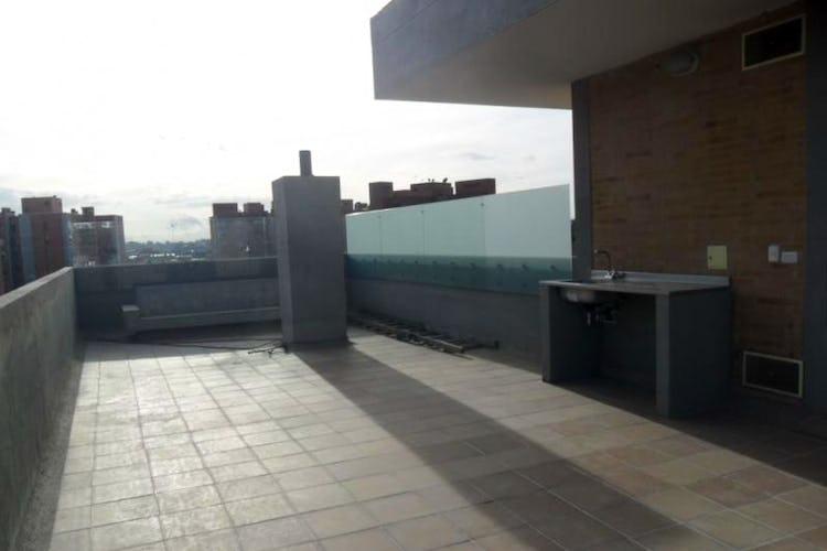 Foto 22 de Apartamento En Venta En Bogota La Carolina con linda vista exterior en séptimo piso
