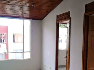 Una vista de un pasillo desde un pasillo en VENDO:APARTAMENTO:42M2:PORTAL 183: SAN CRISTOBAL